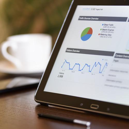 Exemple de tableau de board analytics - mesure de la stratégie de référencement