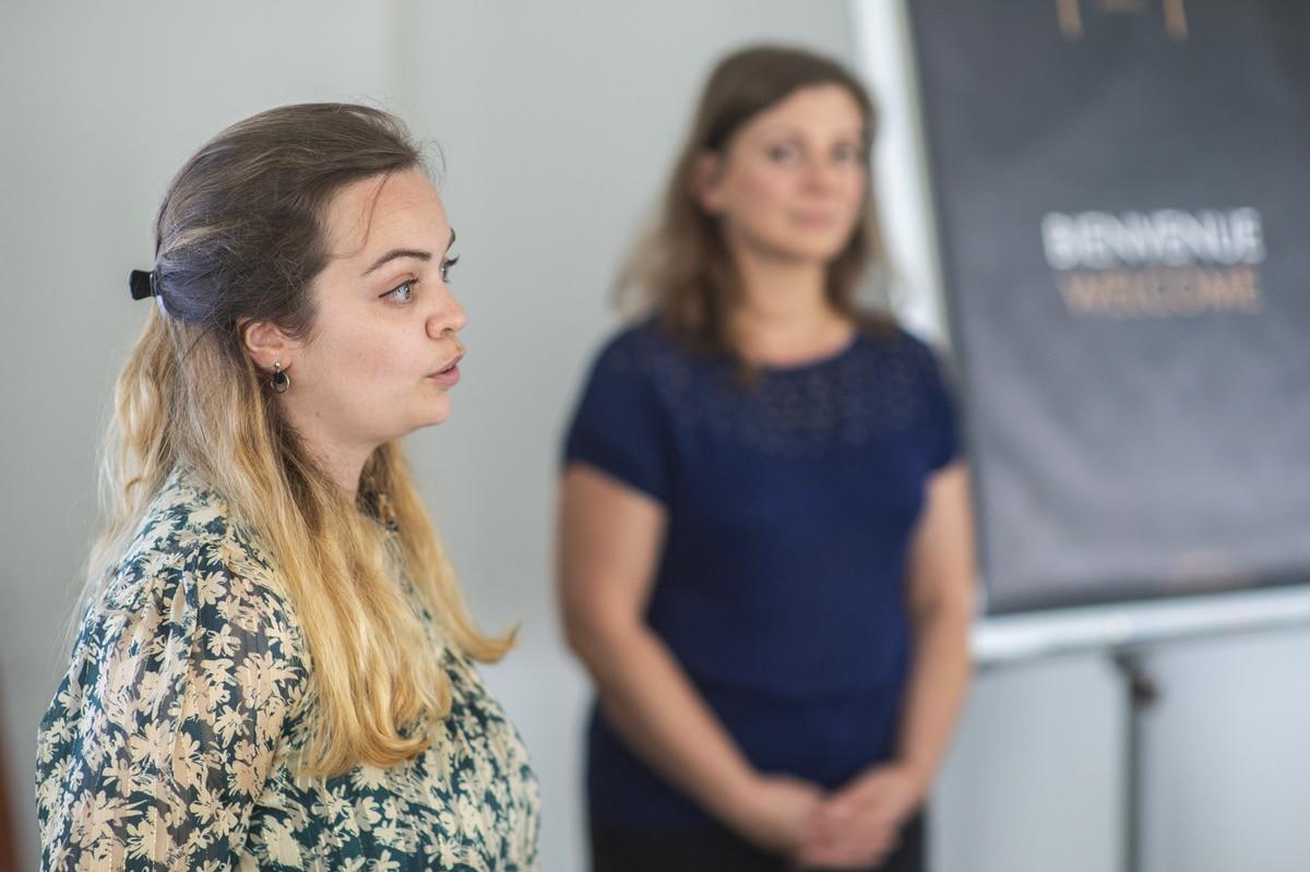 Laura Thirion et Aurélie Garbay DouziechMasterclass en Community Management - Agence Iltze / Pastel Créatif, Le Régina, Biarritz