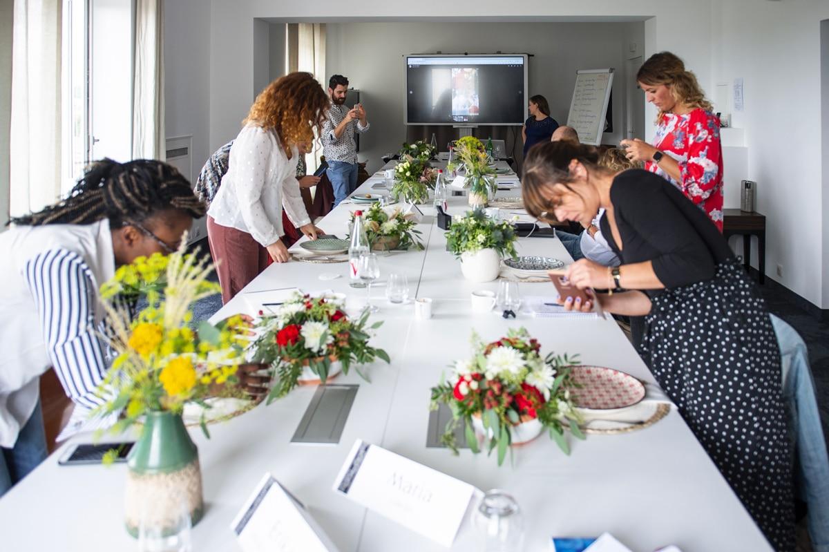 Groupe des stagiaires en Community Management - Agence Iltze / Pastel Créatif, Le Régina, Biarritz