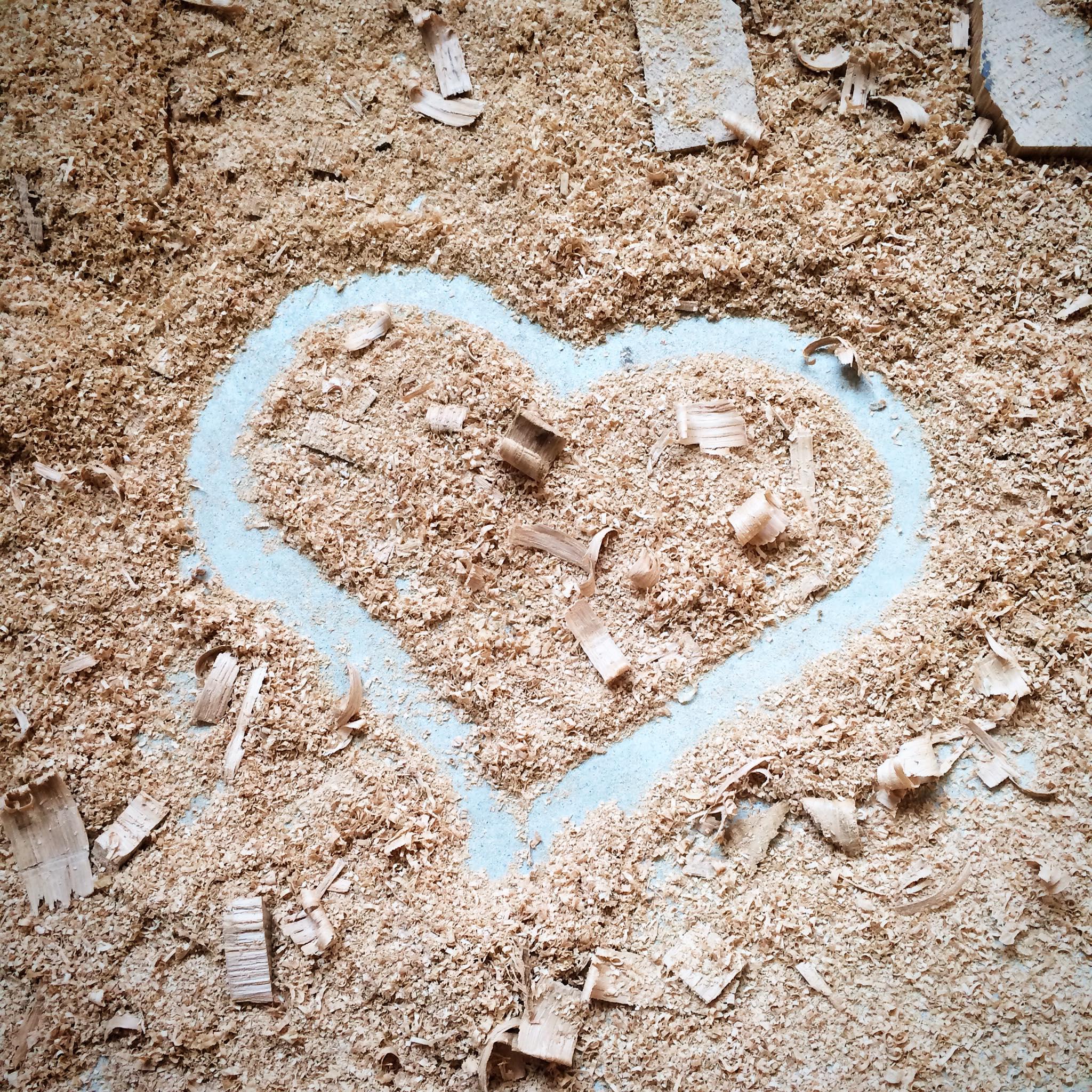 Coeur de sciure créé pour l'atelier Etienne bois