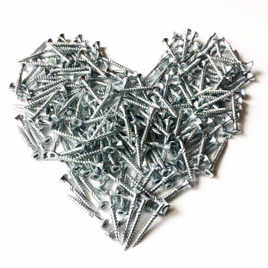 Coeur en vis créé par l'Agence Iltze pour Etchalus matériaux